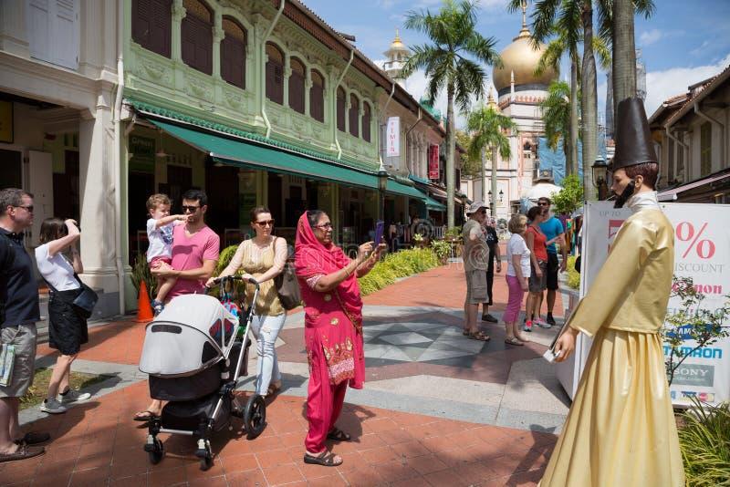 Toeristen in Kampong Glam, Singapore royalty-vrije stock afbeelding