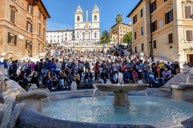 Toeristen op de Spaanse Stappen, Rome royalty-vrije stock foto's
