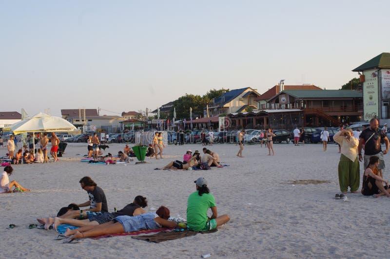 Toeristen op het strand royalty-vrije stock foto's