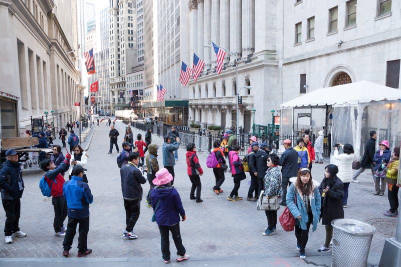 Toeristen op Wall Street royalty-vrije stock foto