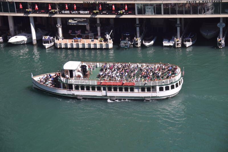 Toeristenboot in Chicago royalty-vrije stock afbeeldingen
