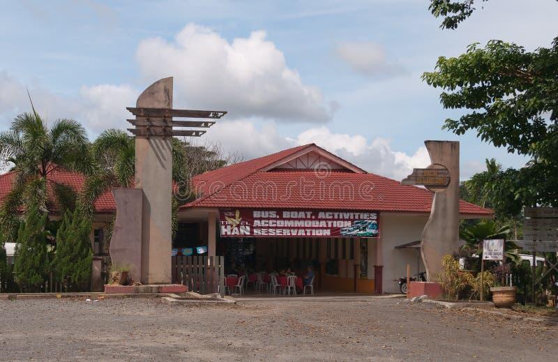 Toeristenbureau in Kuala Tembeling stock fotografie