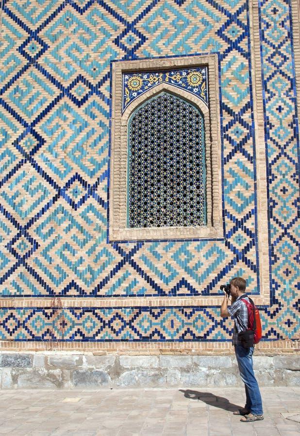 Toeristenfotograaf in Samarkand stock foto