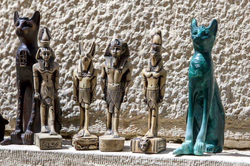 Toeristenherinneringen voor verkoop dichtbij de Sfinx in Giza in Kaïro, Egypte stock foto