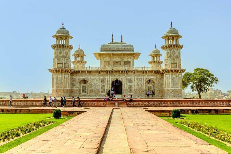 Toeristenmenigte voor baby Taj Mahal royalty-vrije stock fotografie
