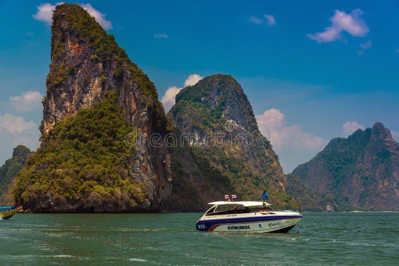 Toeristenmotorboot in Thailand stock afbeeldingen