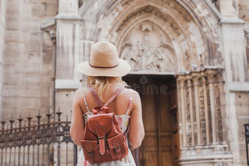 Toeristenreizen in Europa, sightseeingsreis stock afbeeldingen
