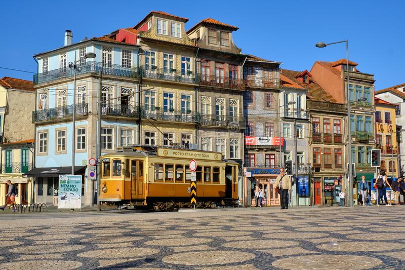 Toeristentram in Porto royalty-vrije stock afbeelding