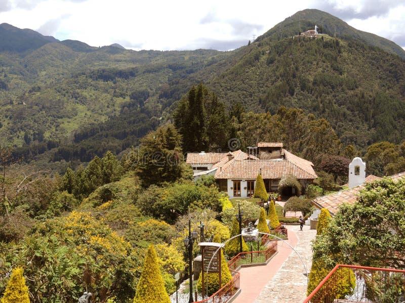 Toeristische complex van de kerk van Monserrate. stock fotografie