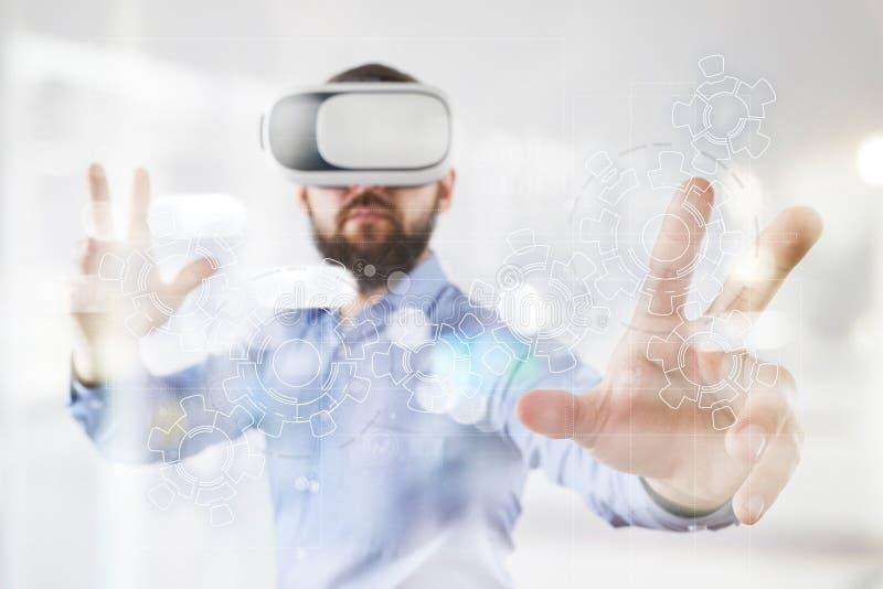 Toestellen op het virtuele scherm Bedrijfsstrategie en technologieconcept Automatiseringsproces stock foto