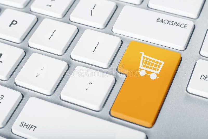 Toetsenbord het online winkelen stock foto's
