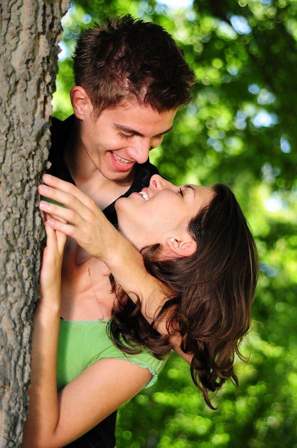 Toevallig paar in liefde stock fotografie