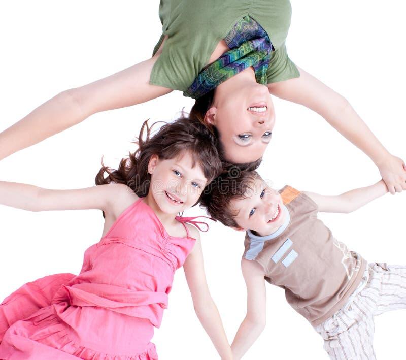 Toevallig portret van een gezonde, aantrekkelijke familie stock fotografie