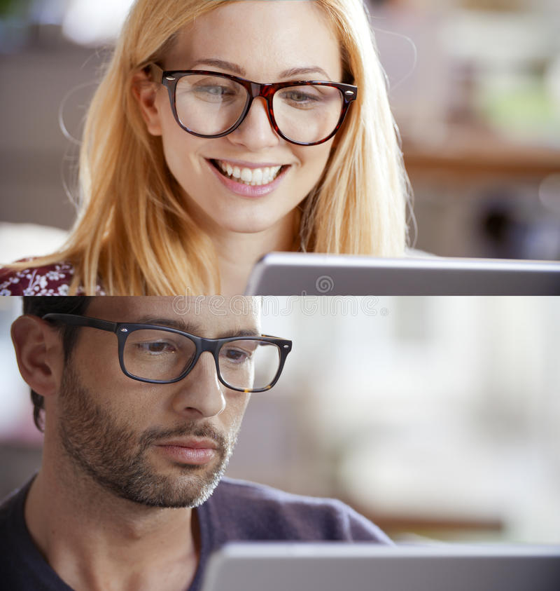 Toevallige blondevrouw en man reeks, onderneemster die, zakenman tablet gebruiken om Internet te doorbladeren Het portret van het stock afbeelding