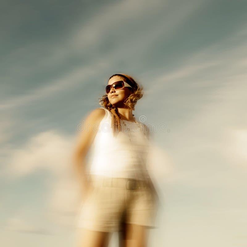 Download Toevallige de zomermanier stock afbeelding. Afbeelding bestaande uit zonnebril - 3391633