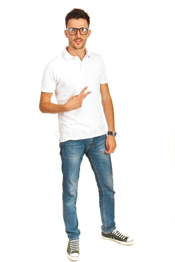 Toevallige mens met witte t-shirt stock foto's