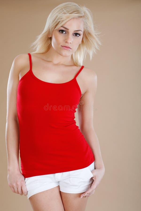 Toevallige mouwloos onderhemd en borrels stock afbeelding