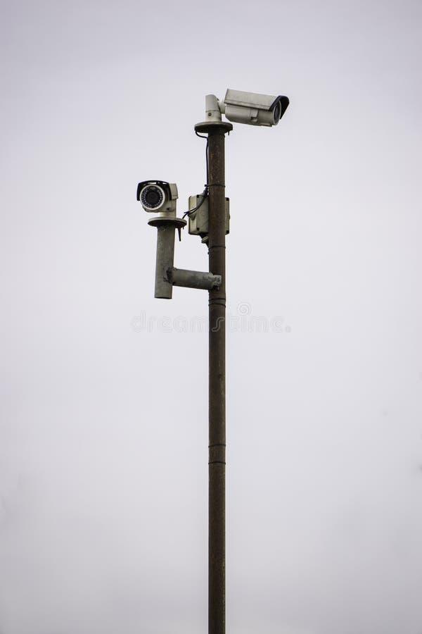 Toezichtcamera's op de pijler royalty-vrije stock foto's