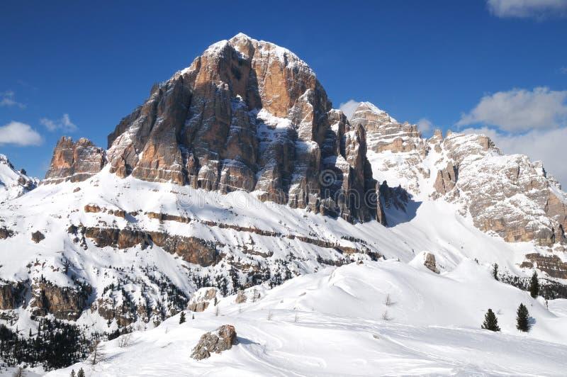 Tofane berggrupp, Tofana di Mezzo, Tofana di Dentro, Tofana di Rozes, Dolomites, ` Ampezzo, Italien för Cortina D royaltyfria bilder