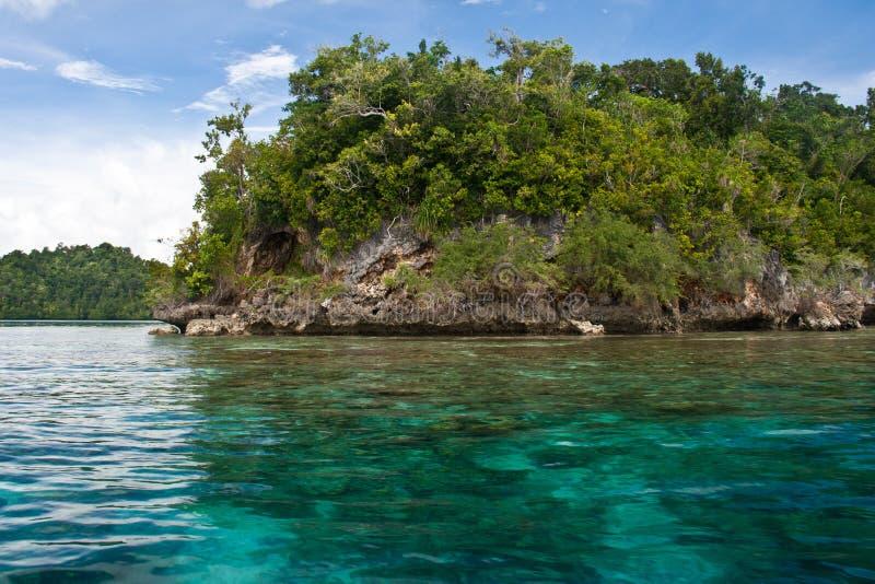 Togean海岛的透明的海运 免版税库存图片