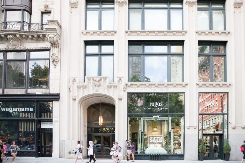 Toges - Chambre d'avant de magasin de textiles à New York City photographie stock libre de droits