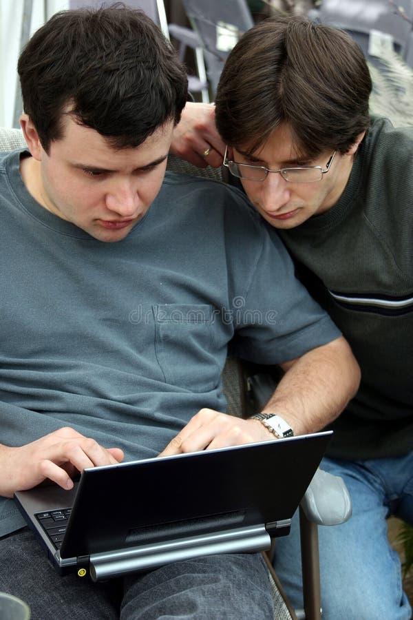 Download Together working στοκ εικόνα. εικόνα από lap, εργασία, οικονομικός - 99695