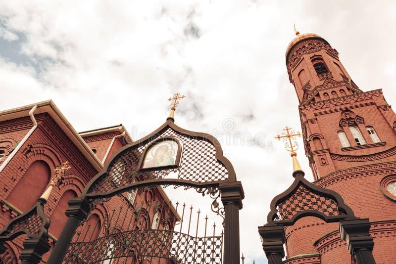 Togliatti, Russische Federatie, 15 juni 2019, Orthodoxe Kerk van de Kazan-icoon van de moeder van God stock afbeelding
