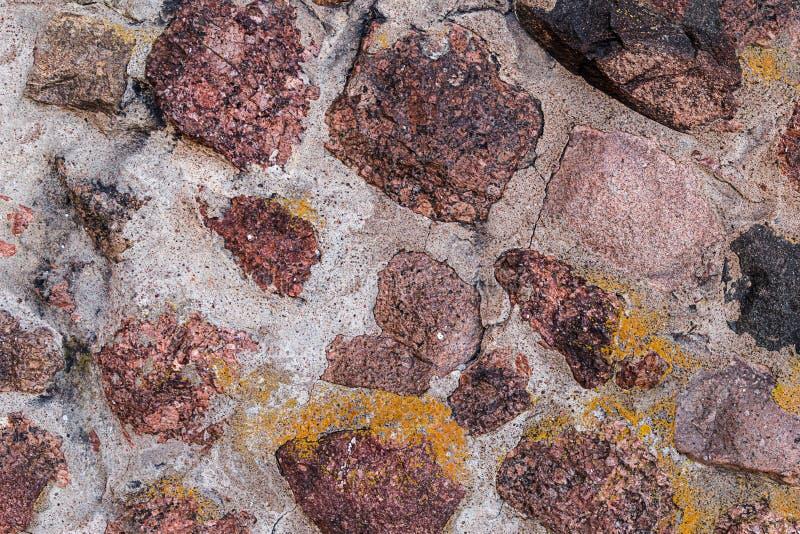 Toile en pierre beaucoup toile rouge brune dans la base rigide de conception de toile de vieux mur de fort de mortier de ciment images stock