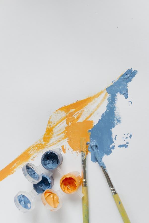 Toile, peinture, brosses image stock