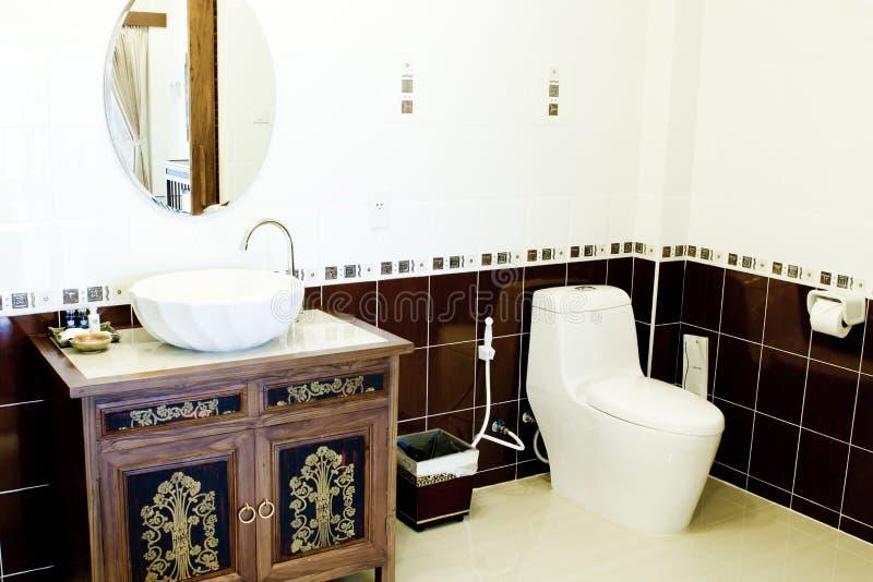 Toilet in de badkamers royalty-vrije stock fotografie