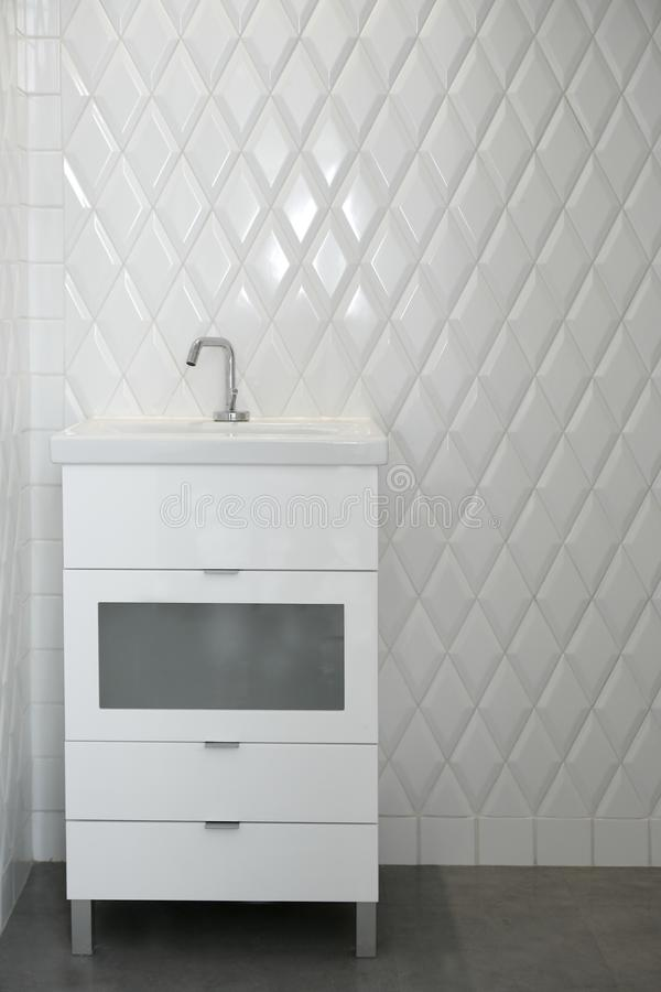 Download Toilet Sink In A White Room Diamond Shape Tiles Stock Photo - Image: 12441190