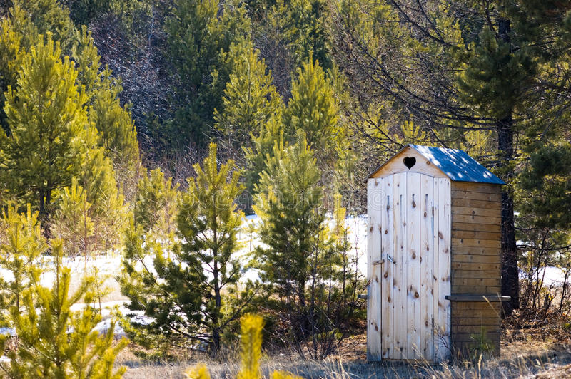 Download Toilet van vorige eeuw stock foto. Afbeelding bestaande uit sneeuw - 10775582