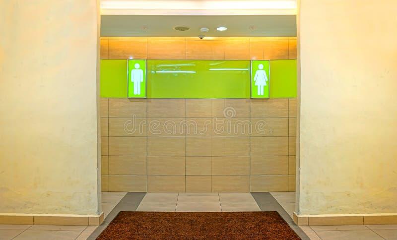 Toiletdeuren voor mannelijke en vrouwelijke geslachten royalty-vrije stock foto's