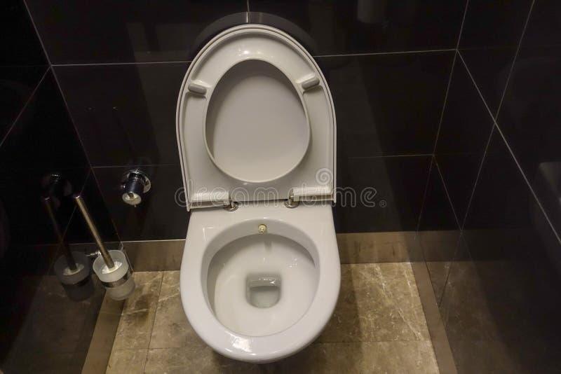 Toiletkast en toilet royalty-vrije stock foto