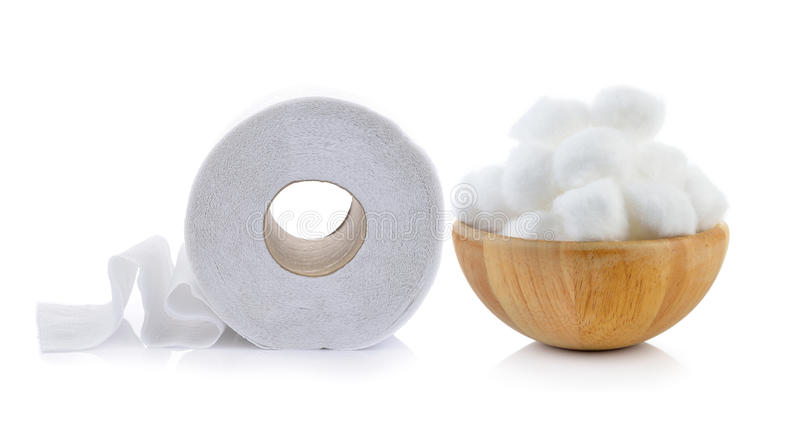 Toiletpapier en katoen in de houten kom royalty-vrije stock afbeelding
