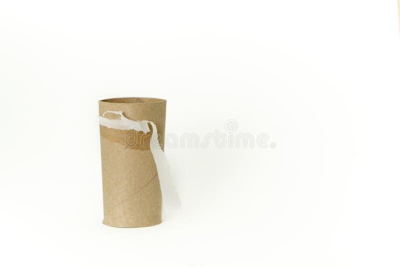 Toiletpapierbroodje Gebruikt allen omhoog Ge?soleerd op Witte Achtergrond royalty-vrije stock afbeeldingen