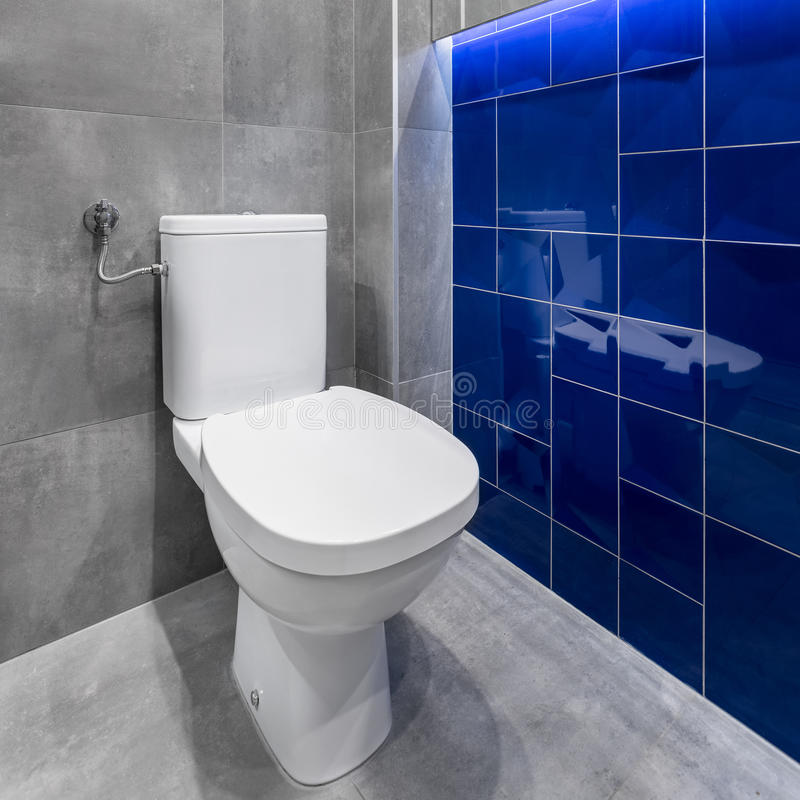Toilette bianca semplice immagini stock libere da diritti