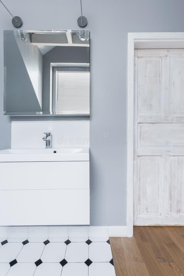 Toilette blanche et grise images libres de droits