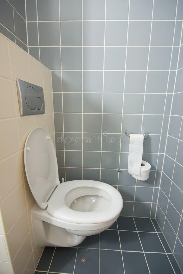 Toilette dans la chambre d'hôtel photographie stock libre de droits