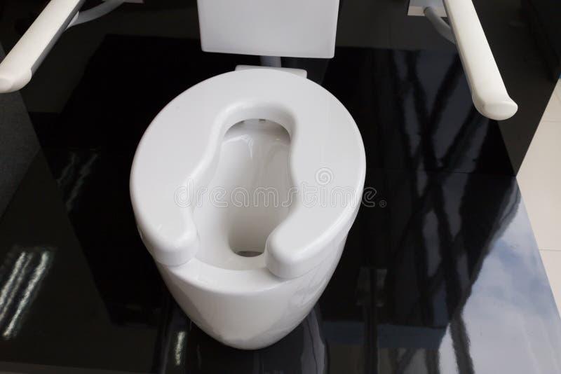 toilette del lavabo per gli anziani immagini stock