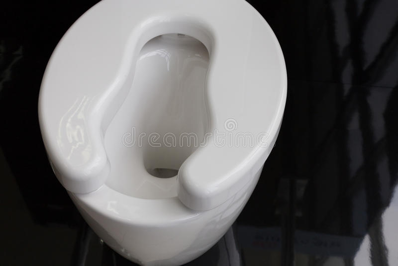toilette del lavabo per gli anziani immagini stock libere da diritti