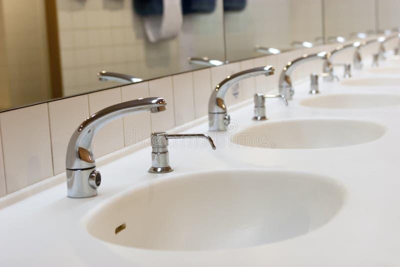 Toilette pubblica della toilette fotografie stock libere da diritti