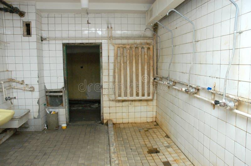 Toilettes détruites image stock