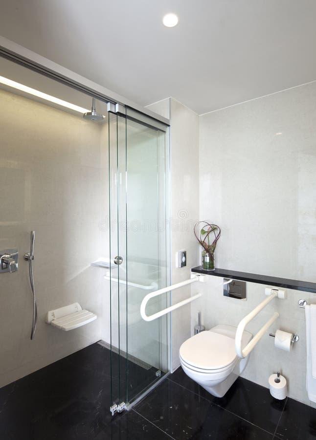 Toilettes publiques pour des handicapés photographie stock libre de droits