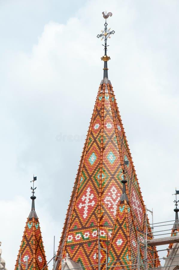Toit d'église de Matthias (Budapest, Hongrie) images libres de droits