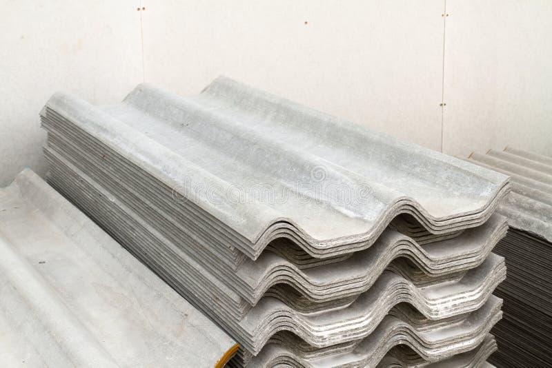pile de tuiles de toit d 39 amiante photo stock image du. Black Bedroom Furniture Sets. Home Design Ideas