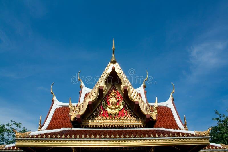 Toit d'architecture thaïe, en Thaïlande images libres de droits