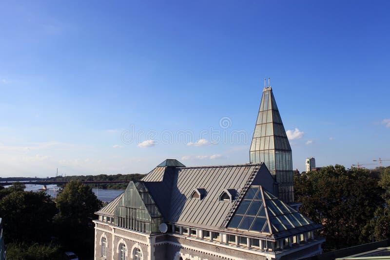 Toit de bibliothèque universitaire de Varsovie photos libres de droits