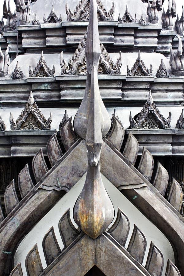 Toit de Lohaprasat dans Wat Ratchanatdaram Worawihan image stock