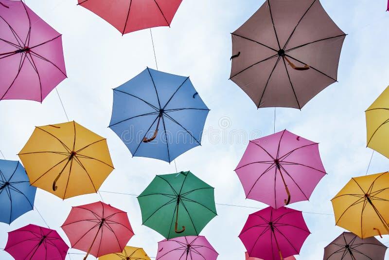 Toit de parapluie coloré images libres de droits